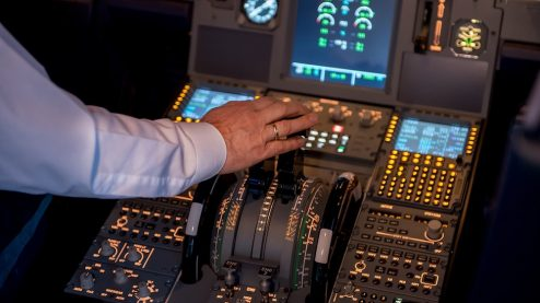 How much do airline pilots get paid?